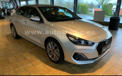 Hyundai i30 1.4 T-GDI Style Fastback *NAVI*SHZ*TEMPOMAT* |   21.950€