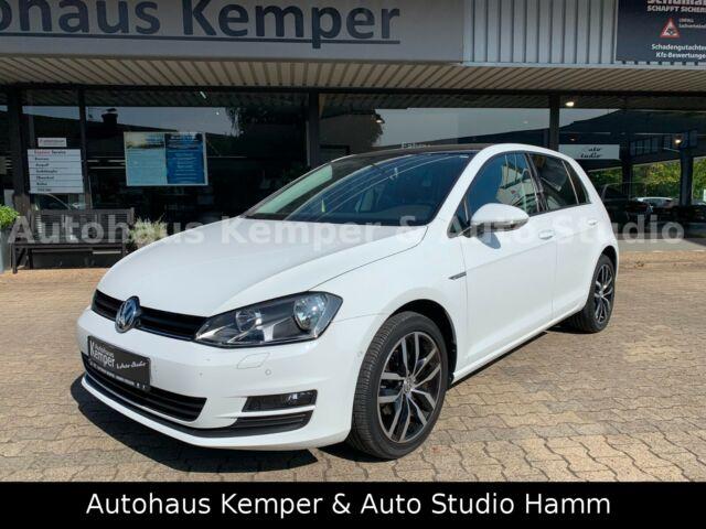 Volkswagen Golf VII Cup *Panoramadach*NAVI*SHZ*PDC*PLA*ALU*  13.999€